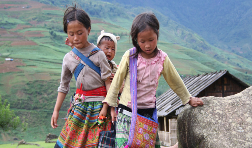 Rejse til Vietnam, børn i Sapa bjergområdet